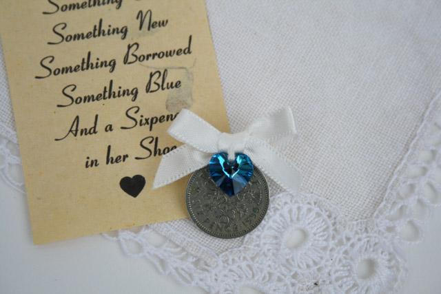 Pin your sixpence offwhite met donkerblauw swaroski