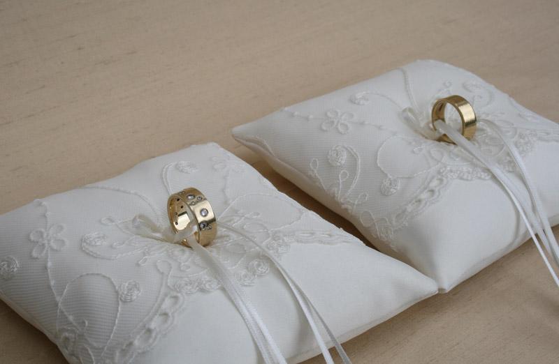 Ringkussen voor bruiloft, ringkussentjes set in de kleur ivoor voor 2 kinderen