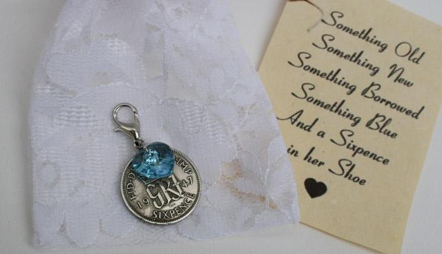 Sixpence and Swarovski hart lichtblauw