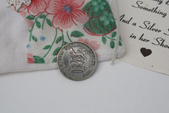 Silver Sixpence voor de bruid