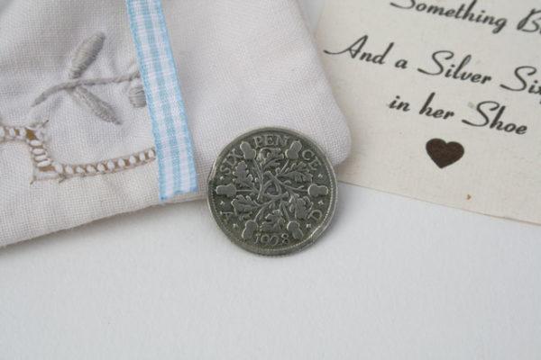 silver sixpence muntje voor de bruid