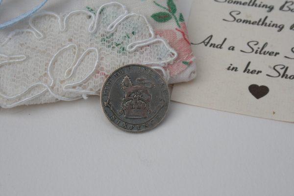 lucky silver sixpence voor schoen bruid