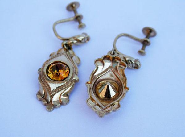 goudkleurige vintage oorbellen voor een vintage bruiloft