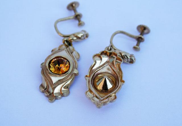 goudkleurige vintage oorbellen
