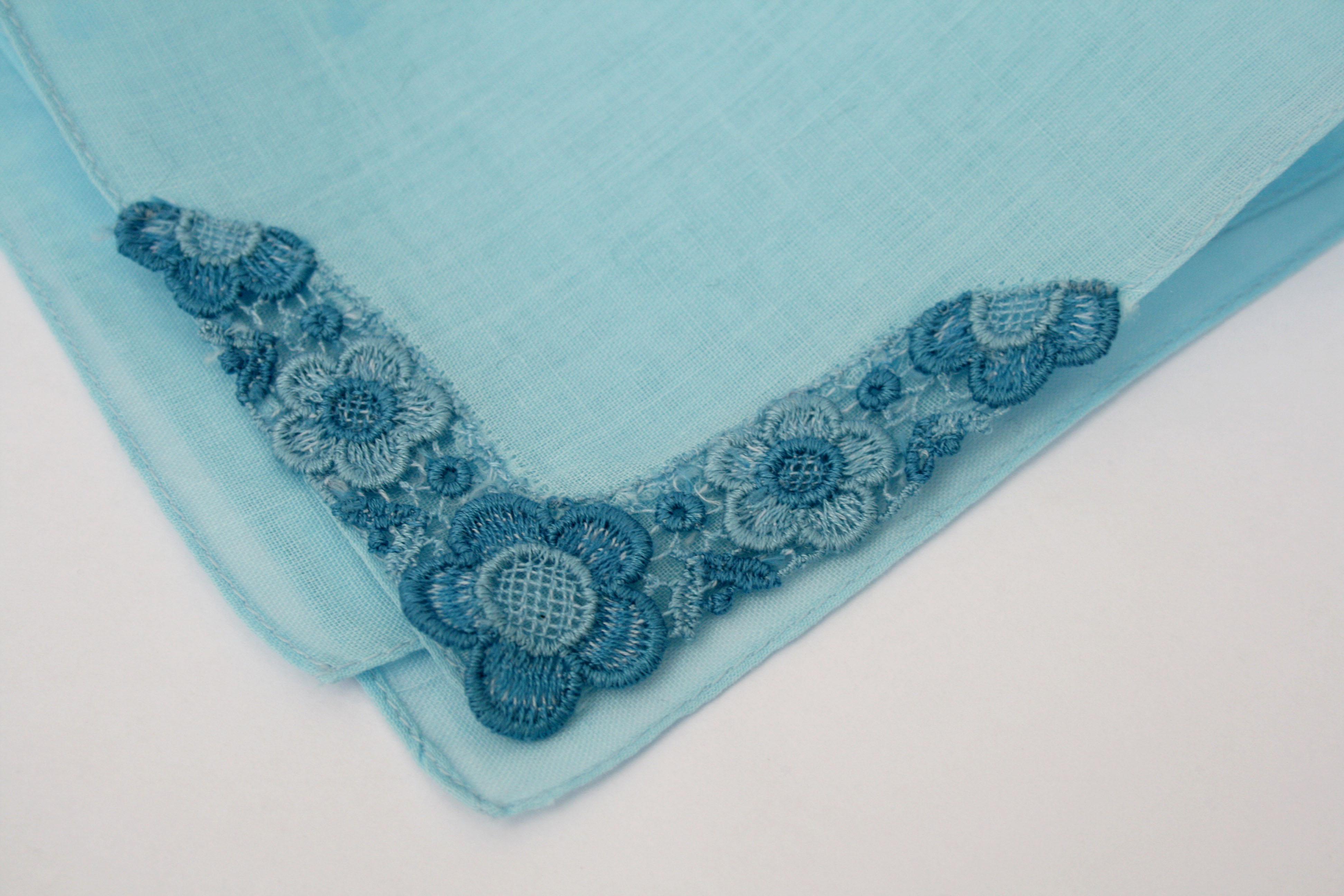 Vintage blauw zakdoekje Something blue