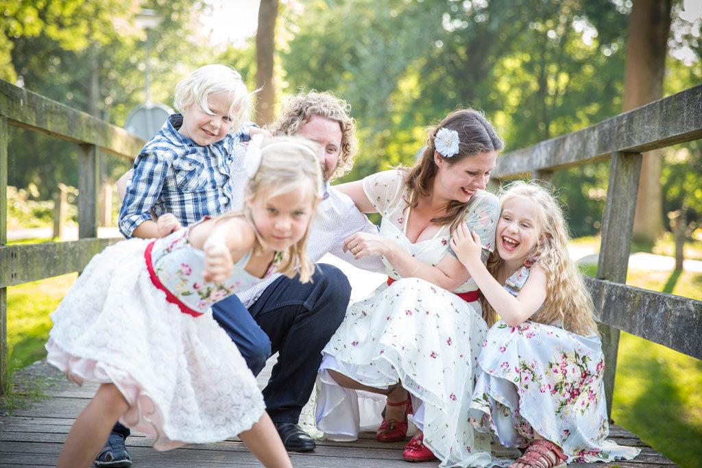 bruiloft trouwen kids kinderen tips ideeën spelen knutselen