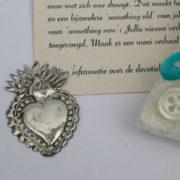 sterling zilveren devotie hartjes zijn het symbool voor liefde, een bijzondere something old voor een bruiloft