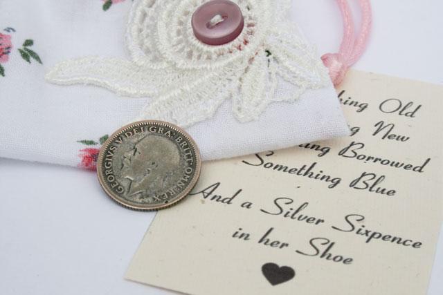 silver sixpence in her shoe, wens de bruid geluk met dit muntje uit 1926
