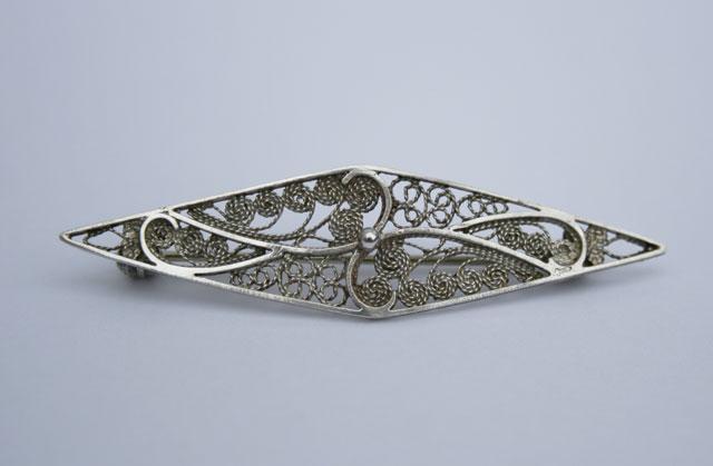 Zilveren filigrein broche