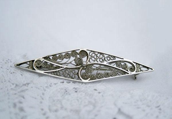 filigrain broche voor de bruid of als cadeau voor je dierbare