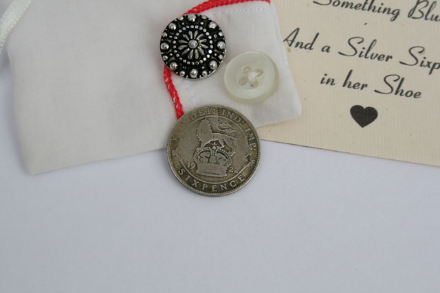 Lucky silver sixpence voor de bruid