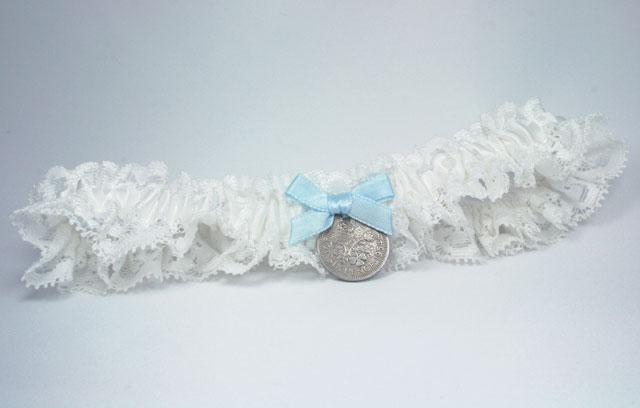 kousenband met sixpence - cadeau voor de bruid - hip je huwelijk in