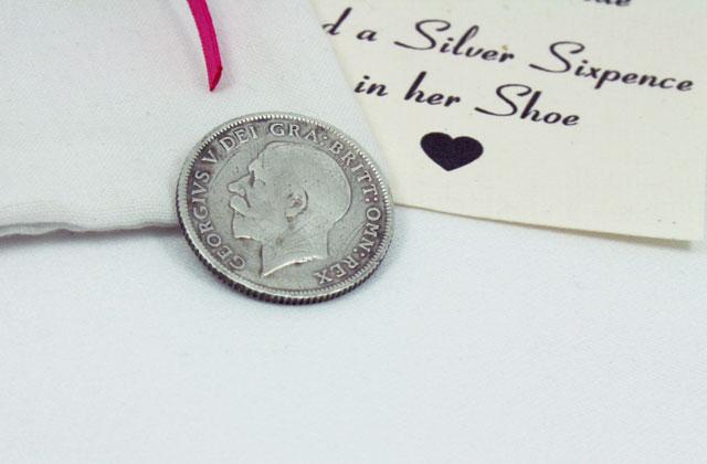 silver sixpence uit 1926 in uniek handgemaakt zakje