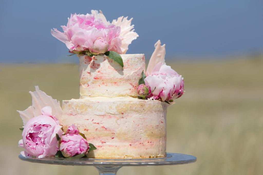 bijzondere bruidstaart met rozen
