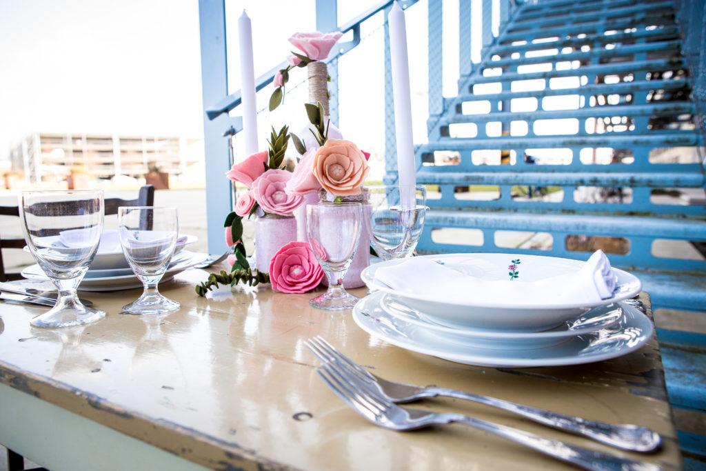 De perfecte gedekte tafel op je bruiloft