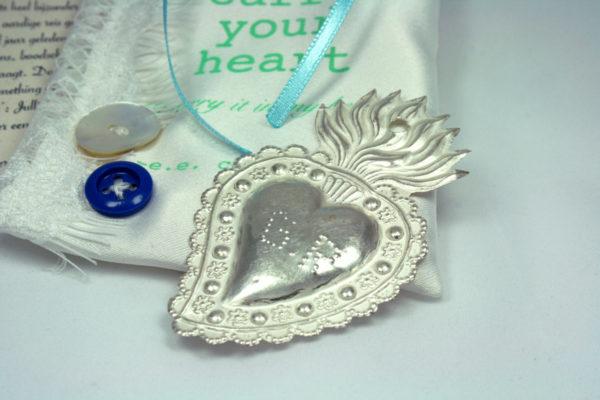 zilveren ex voto hart voor de bruid