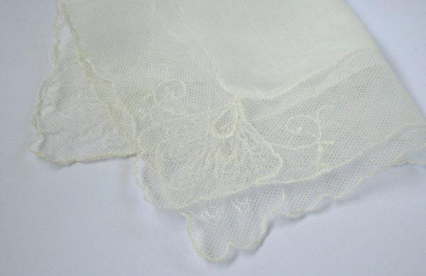 Vintage bruidszakdoekje met kant