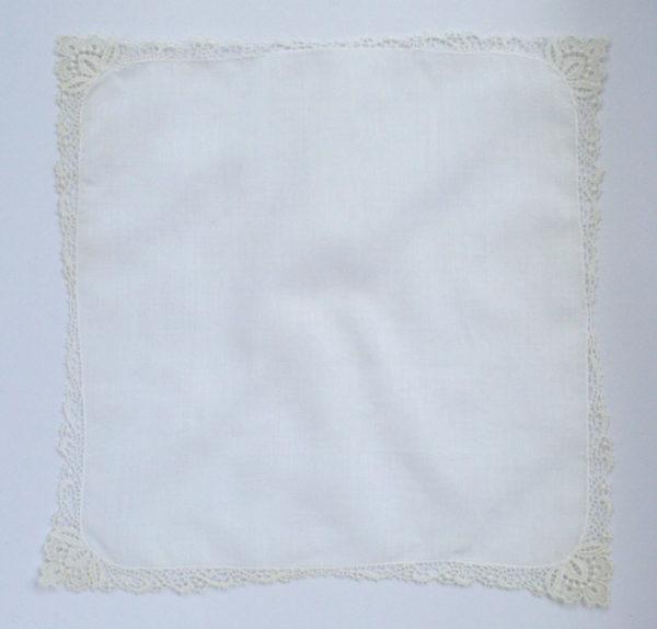 vintage zakdoekje met kant