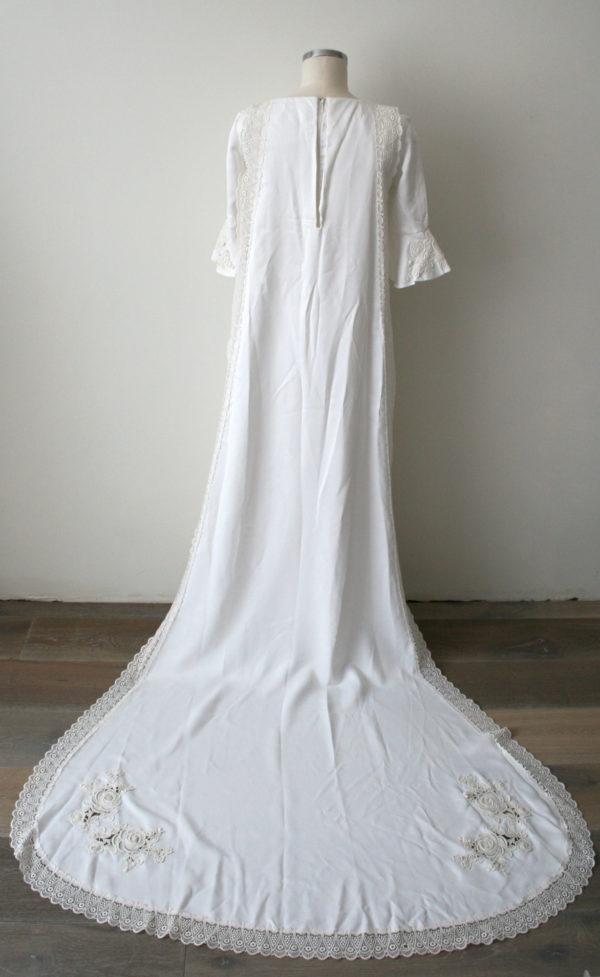 Jaren 70 bruidsjurk met sleep