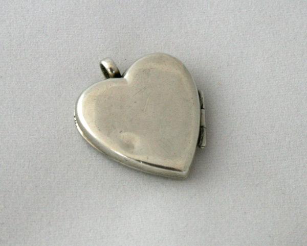 Zilver hartvormig medaillon - something old