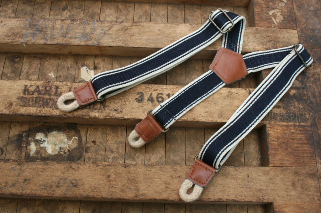 Vintage bretels voor bruidsjonkers