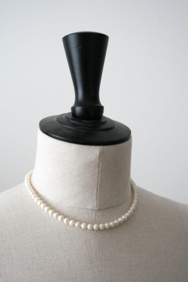 Vintage parelketting met zilveren sluiting