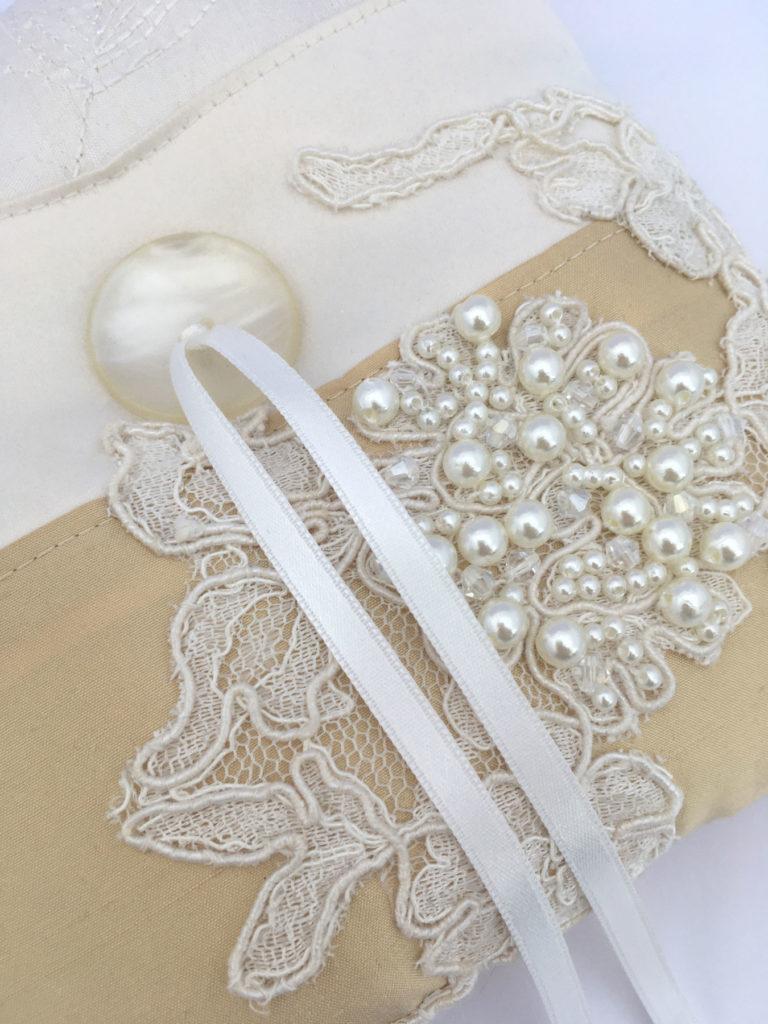 Mooie ringkussens met vintage en luxe materialen