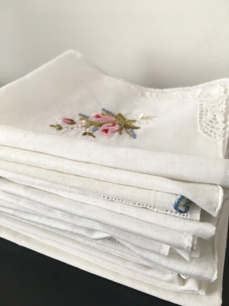 oude zakdoekjes als something old voor de bruid