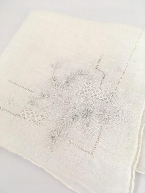 charmant vintage zakdoekje