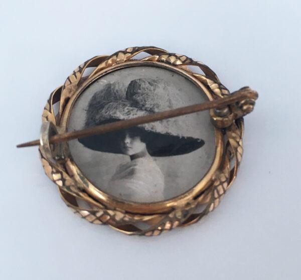 Antieke medaillon broche