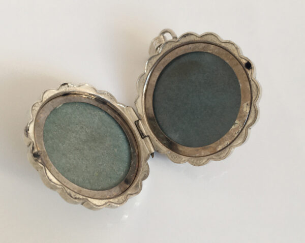 Bloem medaillon, vintage zilver