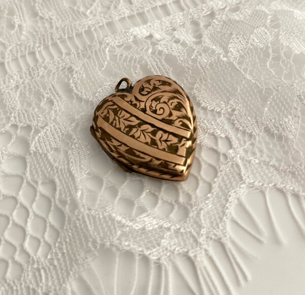 antiek hart medaillon voor de bruid
