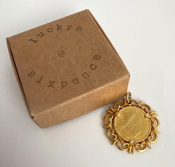 vergulde lucky sixpence uit 1949
