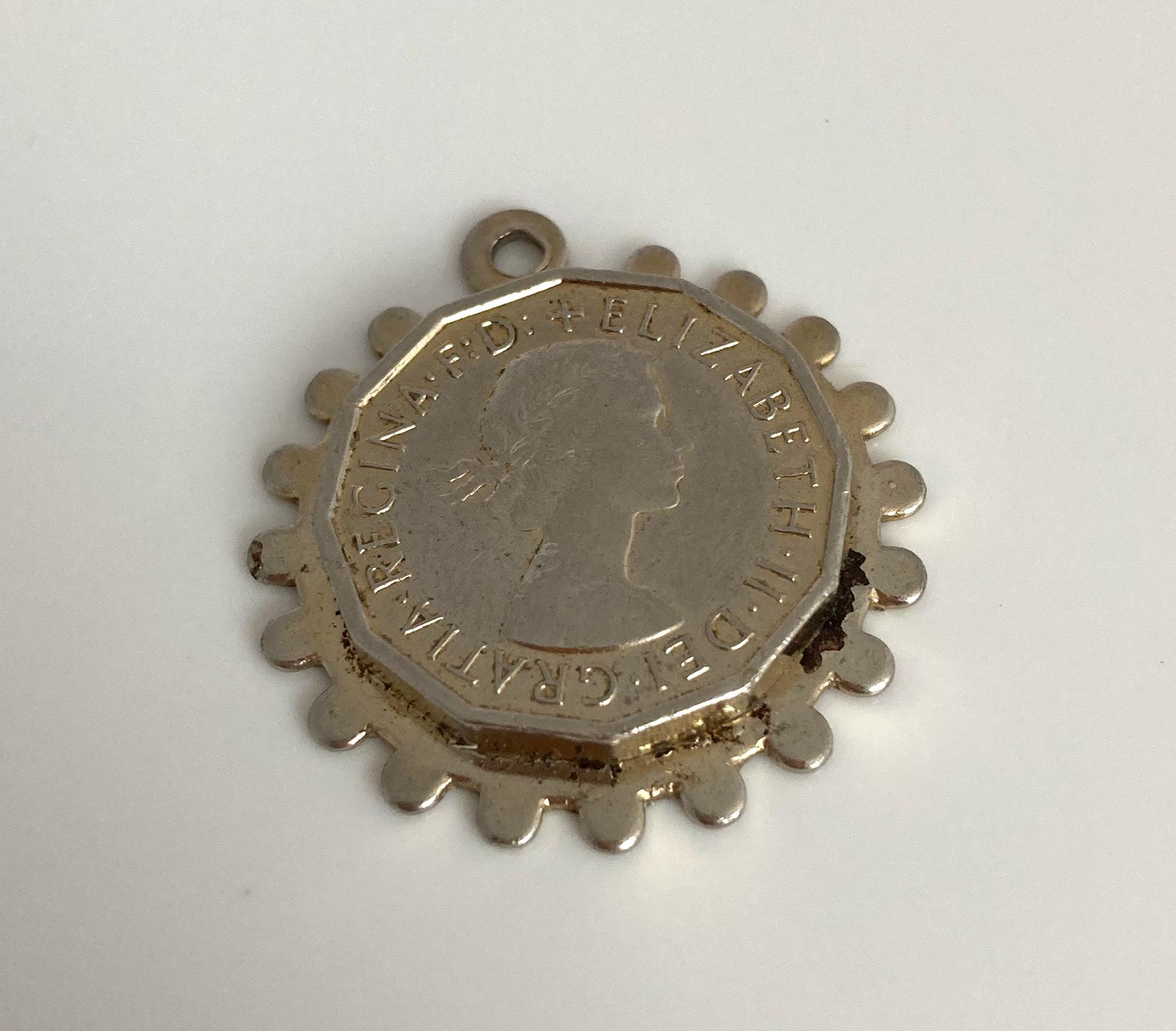 vintage-sixpence-hanger-6b