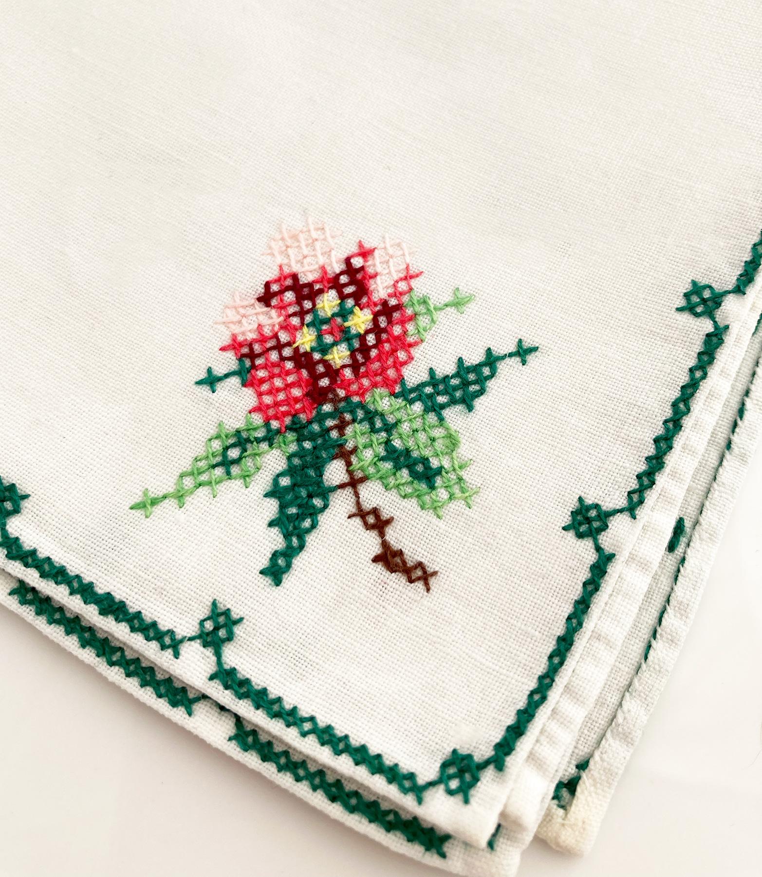 handgemaakte en geborduurde zakdoek voor de bruid